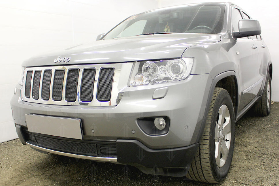 Защита радиатора Jeep Grand Cherokee IV (WK2) 2010-2013 black верх. Фото N2