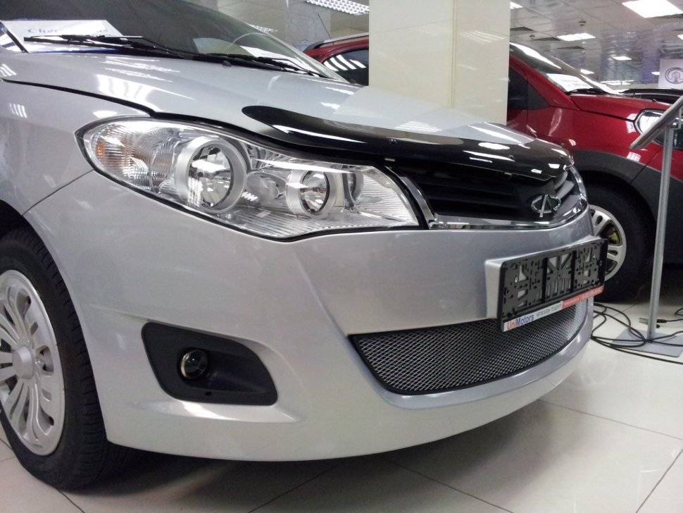 Защита радиатора Chery Bonus 2011-2014/Chery Very 2011-2014 chrome